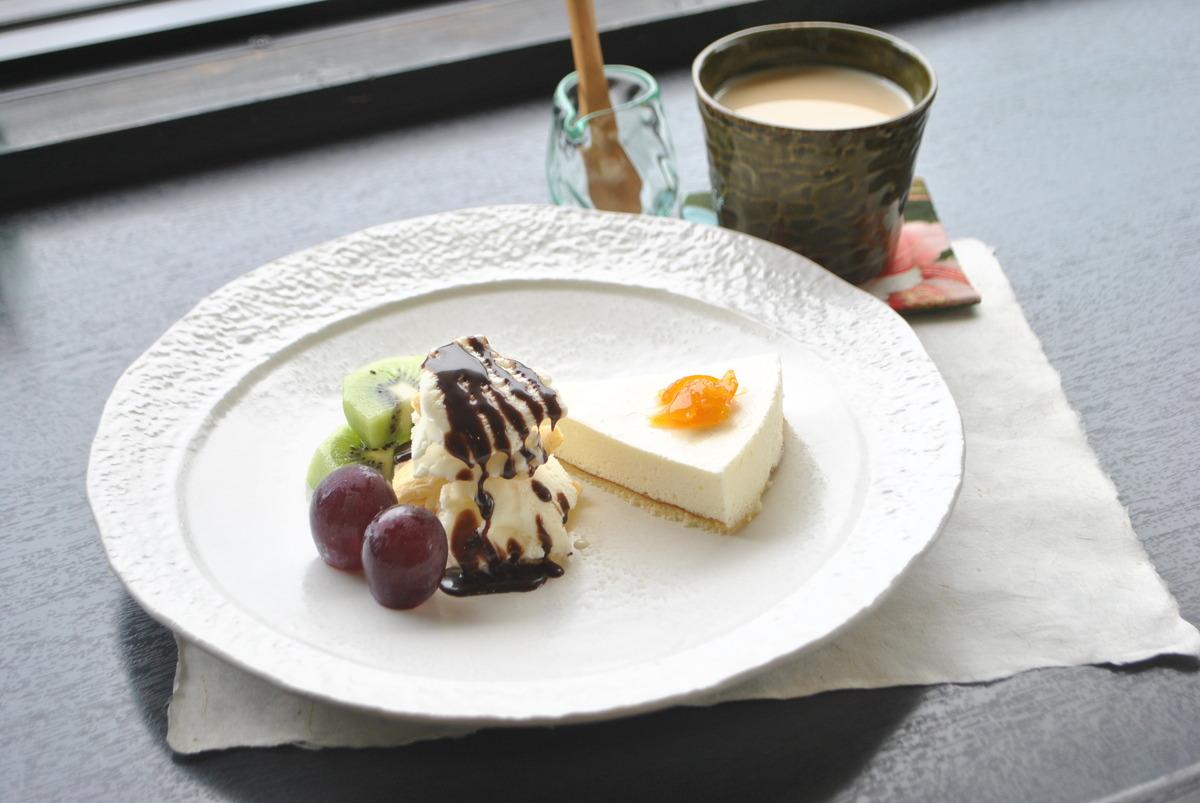 熊野の季節の恵みを取り入れたケーキセット